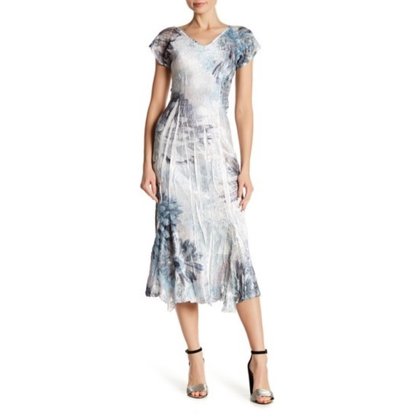 3831e48a61 Komarov Dresses   Skirts - KOMAROV FLUTTER SLEEVE PRINT MIDI DRESS